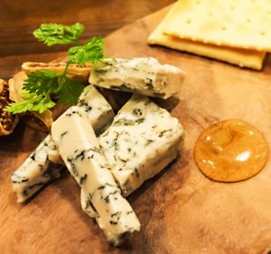 立川駅1分 本格パスタが美味しいイタリアン&スパニッシュのお店『CANTINA 立川店』でいただける、世界3大ブルーチーズのひとつ「ゴルゴンゾーラ」