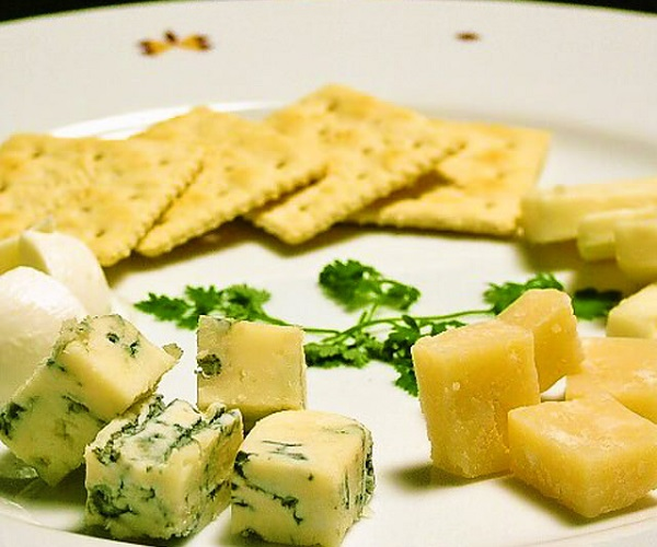 CANTINA立川のチーズ