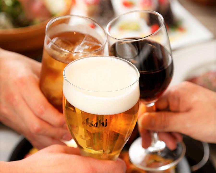 CANTINA立川のクラフトビールやワインでの乾杯